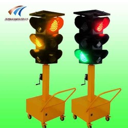 安阳市太阳能移动红绿灯 led交通信号灯报价