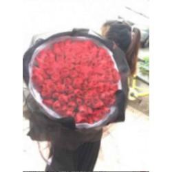 红玫瑰网纱花束供应商
